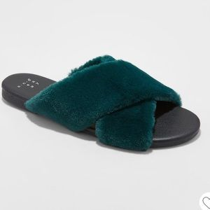 Faux fur slides A New Day Frannie Cross band 8.5